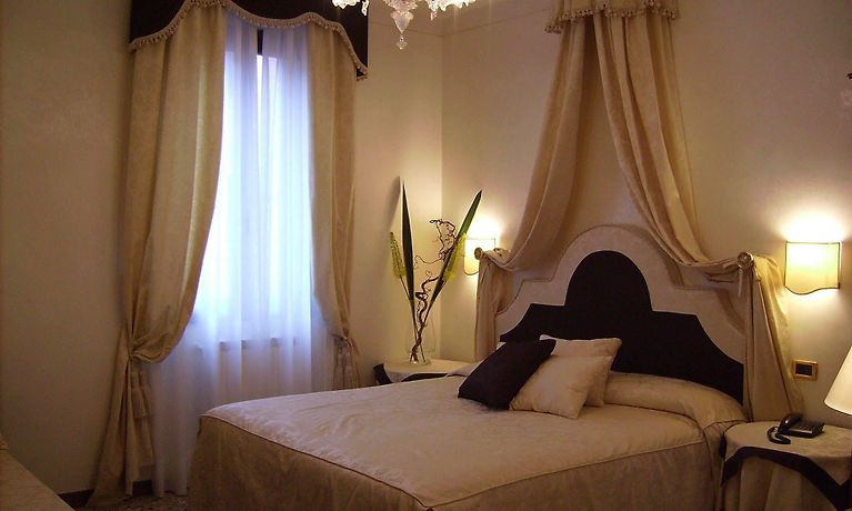 HESPERIA HOTEL, VENICE   3-Star Accommodation in the Heart ...